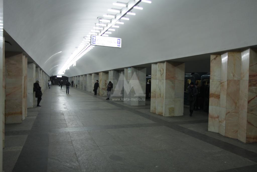 """Станция московского метро  """"Китай-город """" была сдана в эксплуатацию 3 января 1971 года в составе Калужского и..."""