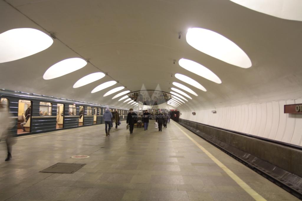 Станция метро Отрадное: http://www.karta-metro.ru/stations/106/533/